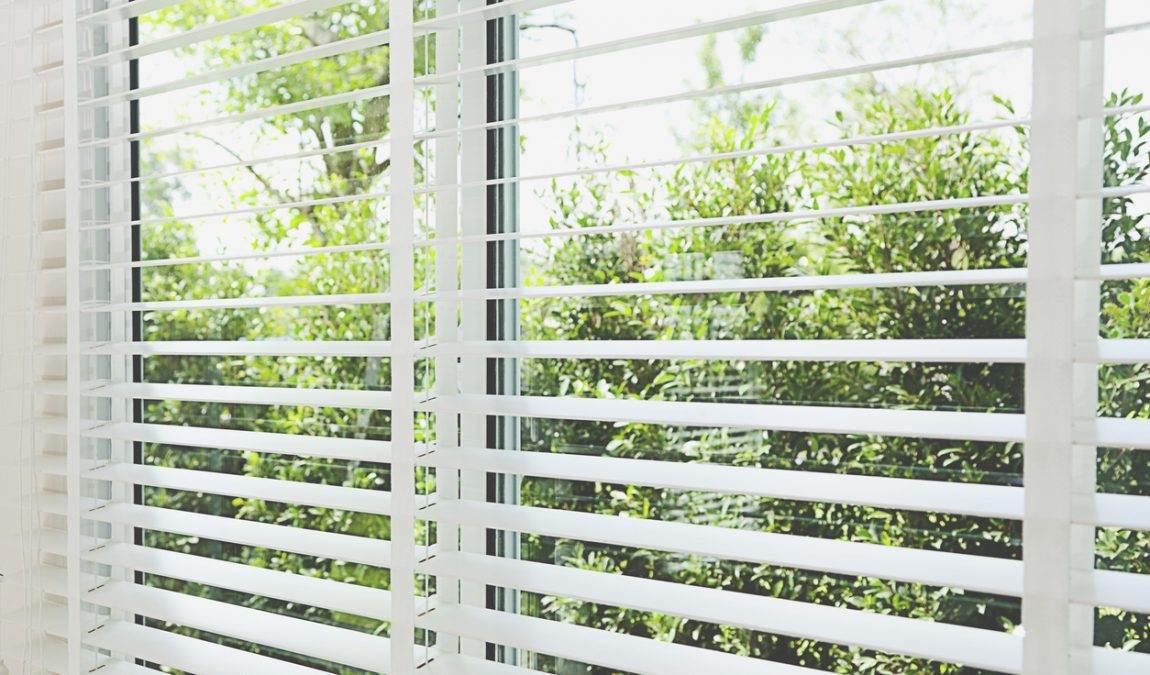 3 Ways to Clean Your Venetian Blinds